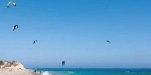 Kitesurfing in Avdimou Beach