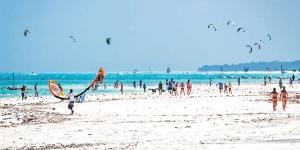 Kitesurfing in Diani Beach