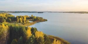 Kitesurfing in Elektrenai Lake / Pievos
