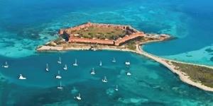 Kitesurfing in Florida Keys, Florida