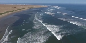 Kitesurfing in Pacasmayo