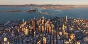 Kitesurfing in San Francisco, California