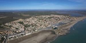 Kitesurfing in St. Pierre la Mer